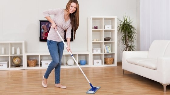 Best-Way-To-Clean-Laminate-Floors