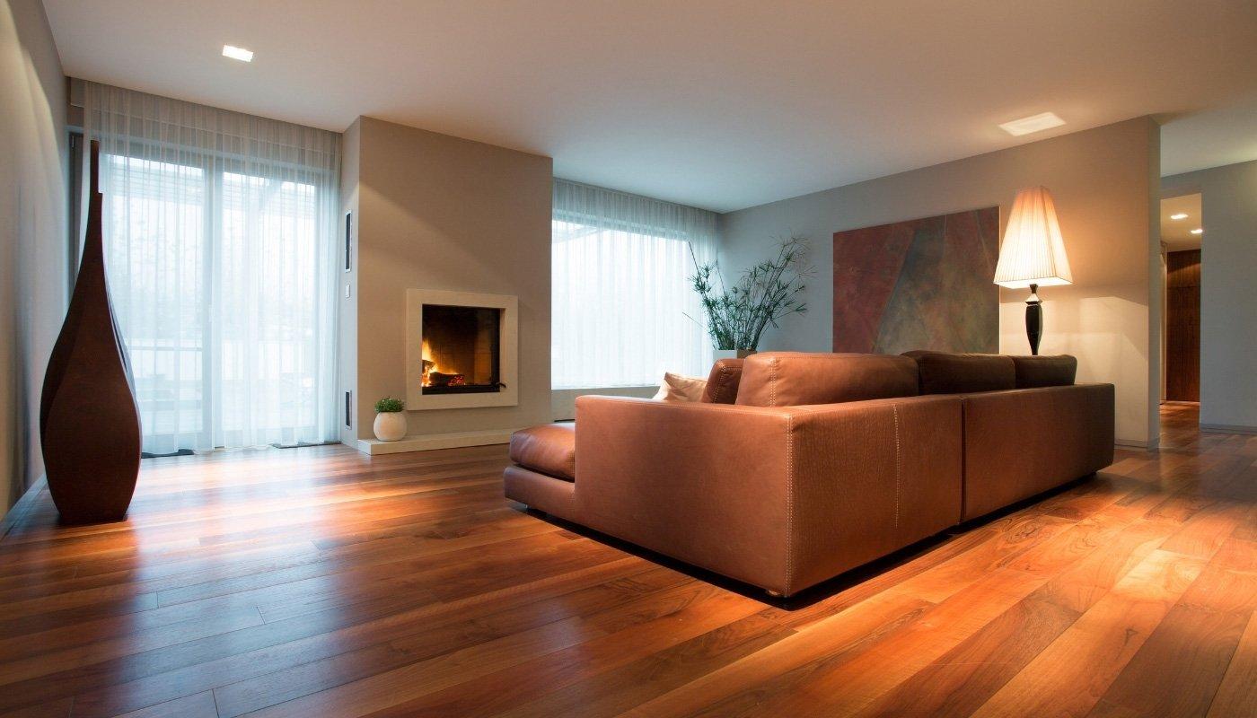 hardwood-floor-in-family-room