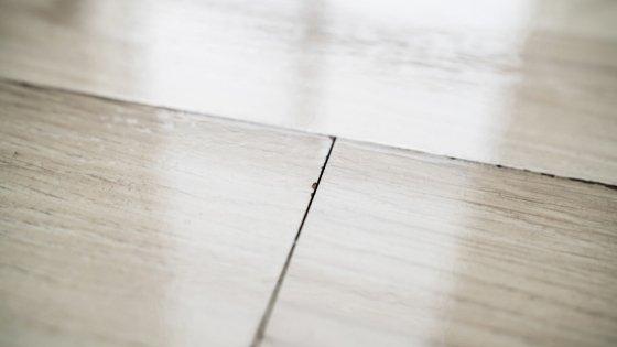 laminate flooring buckling