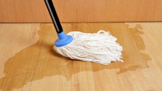 laminate-flooring-water-damage
