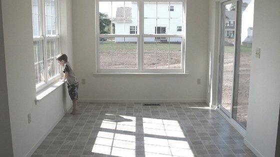 Linoleum-Flooring-in-Sunroom